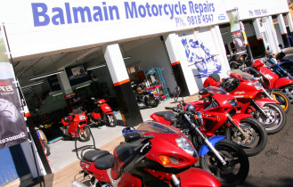 Motorcycle service & precision smash repairs to honda yamaha suzuki kawasaki KTM BMW triumph vespa & all scooters