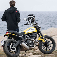 Ducati Scrambler 2015 fitted with Pirelli MT60 RS Tyres